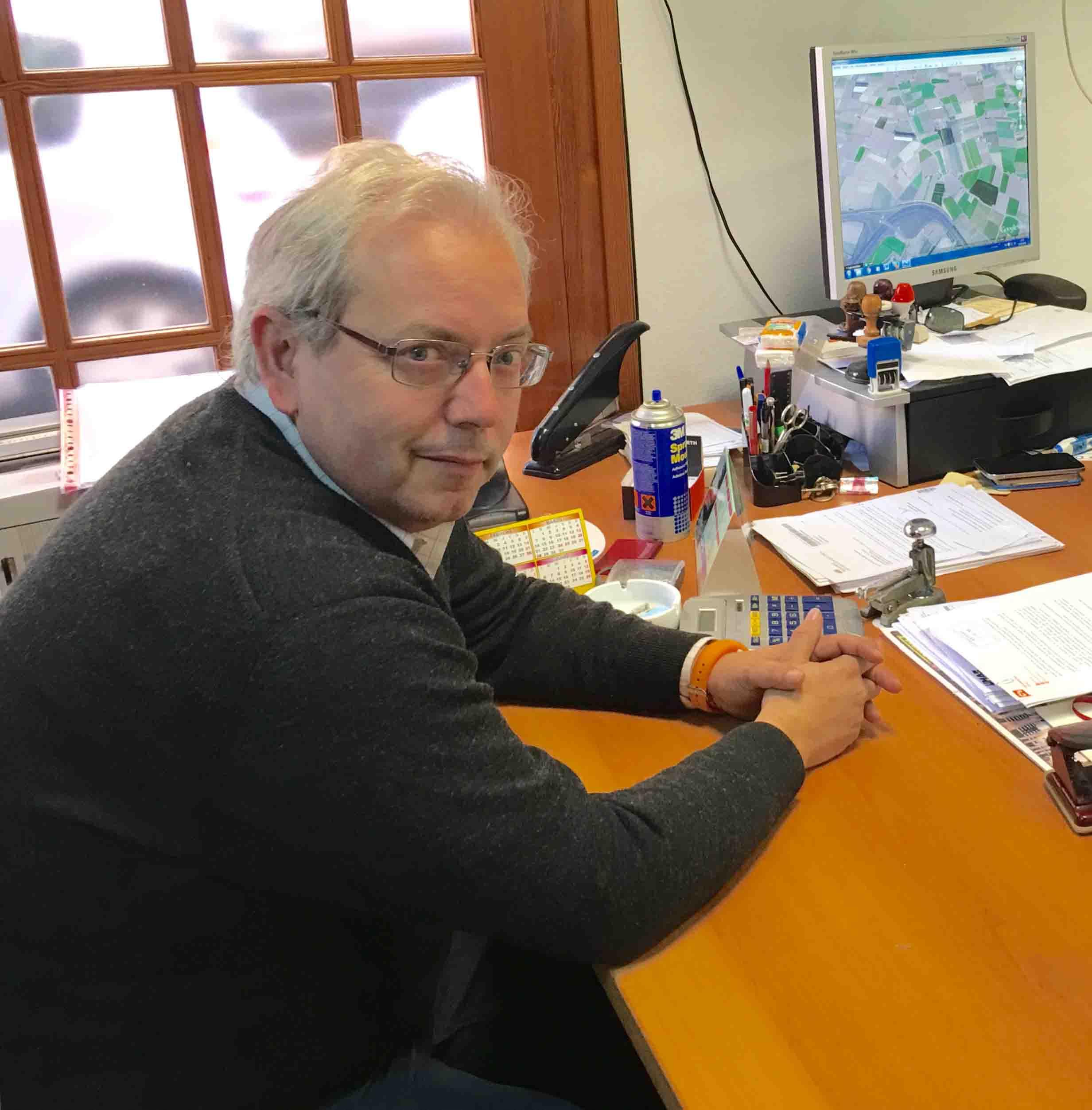Ciudadanos burjassot exige soluciones para el pozo sin for Piscina cubierta almassera