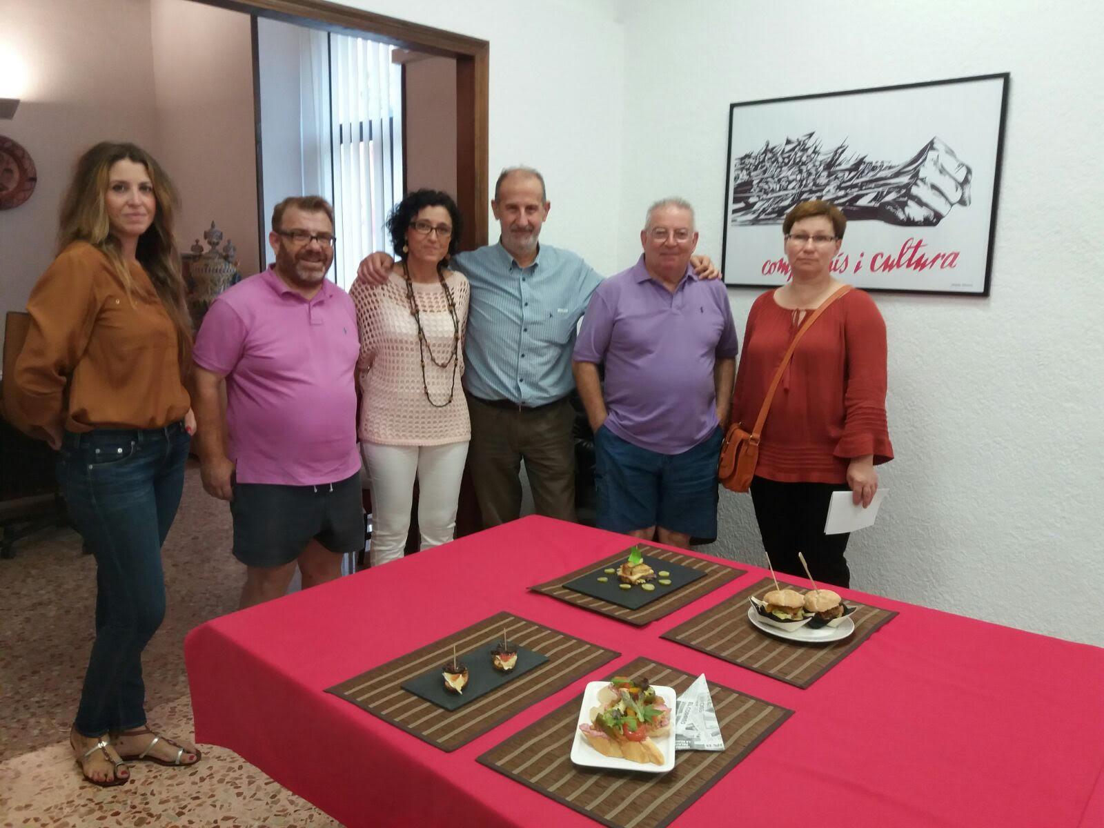Manises celebrar la i edici n del comercio y tapas festival for Piscina cubierta almassera