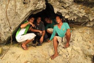 With Kuya Togs and Kuya Dean along the AIR hiking trail