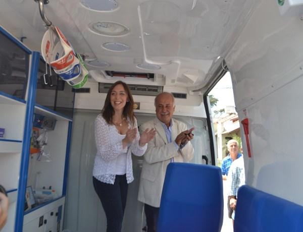 Gobernadora Maria Eugenia Vidal entrega de Ambulancia (4)