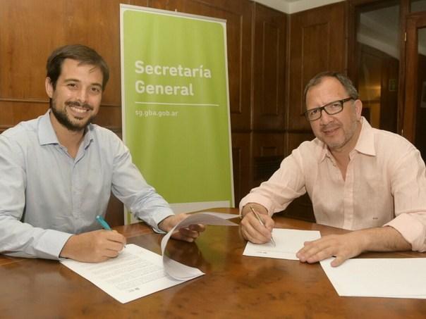Momento de la firma del acuerdo