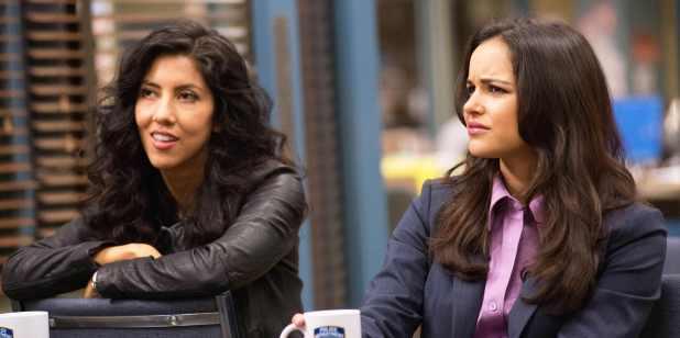 Crítica de Brooklyn Nine-Nine: Rosa Diaz (Stephanie Beatriz) y Amy Santiago (Melissa Fumero)
