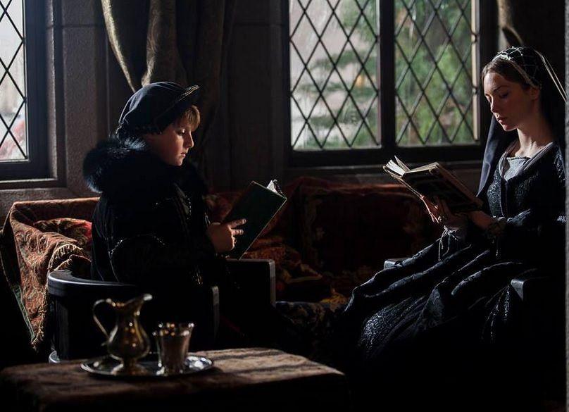 Isabel 3x10 - La infanta Catalina con quien será Enrique VIII, su futuro marido