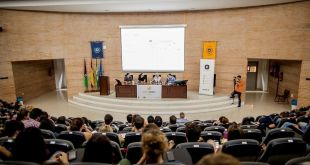 BirraSeries Málaga convoca a más de 100 personas en su 2x01