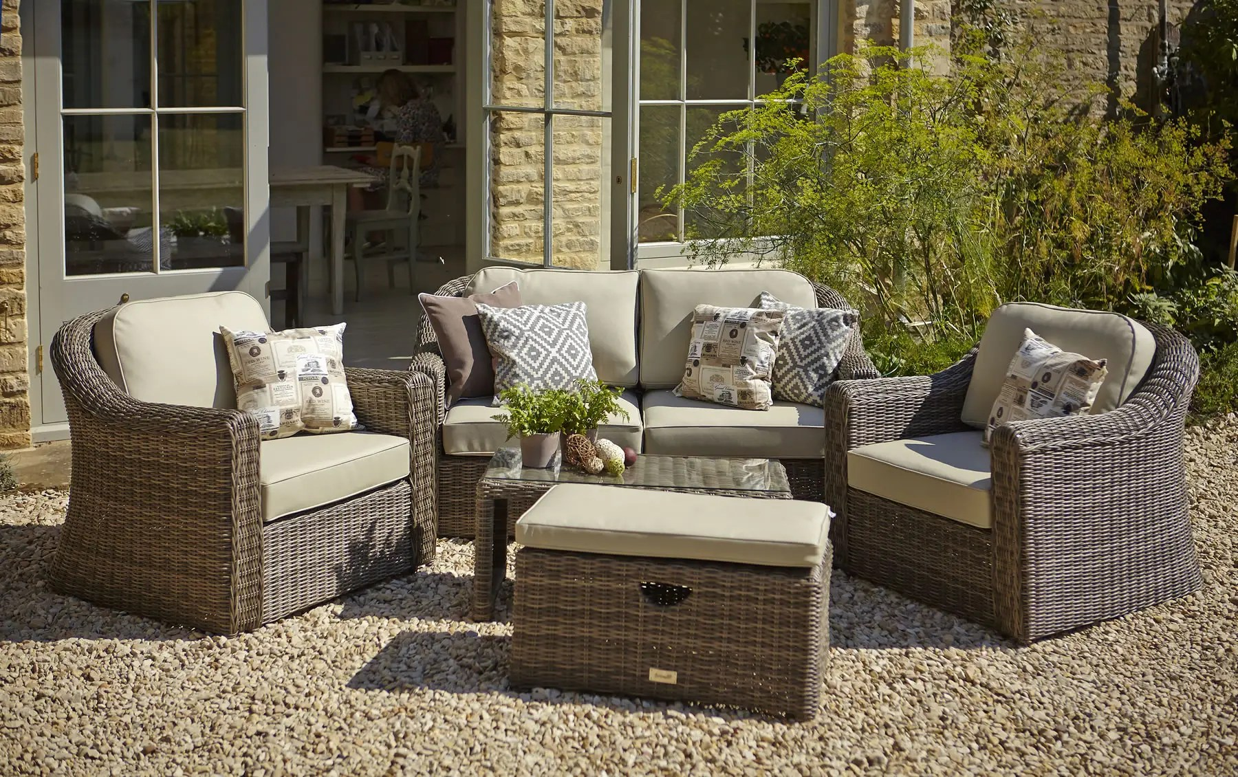 Outdoor Furniture Online Hartman Semerang Birch Lounge Set With Weather Ready