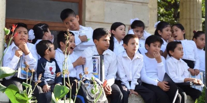 También hubo una participación especial de la Orquesta y Coros de Chilpancingo del Sistema Renacimiento, conformada por niños, que se llevó una gran ovación por parte del público.