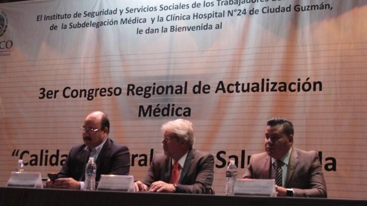 Realizan Congreso de Actualización Médica para enfermedades de la mujer