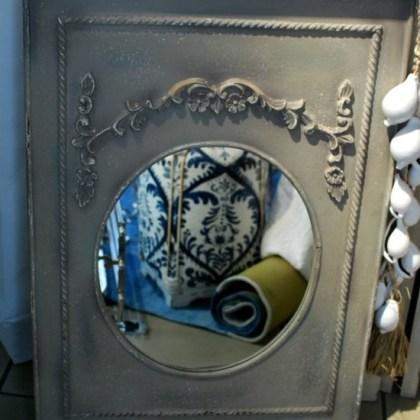 Espejo de madera tallada, muebles de estilo francés.