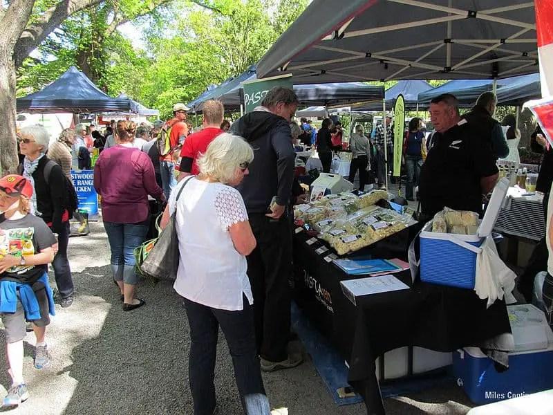800px-Christchurch_Farmers_Market_(8133184094)