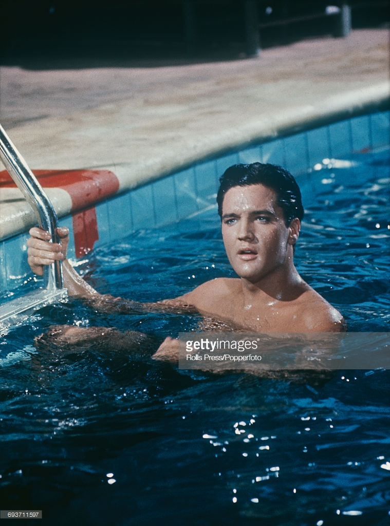 May Girls Wallpaper When Elvis Presley Swimming 13 Amazing Historical