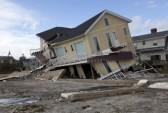 16347736-new-york--october-31-destroyed-homes-in-far-rockaway-after-hurricane-sandy-october-29-2012-in-new-yo Disaster Survival