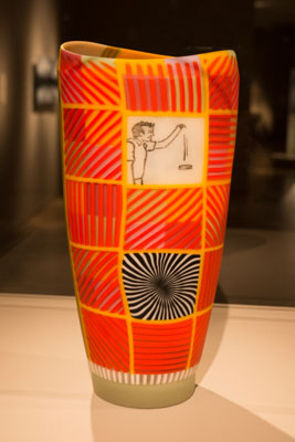 Photo of vase by Scott Chaseling