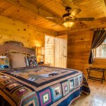 Bedroom at Eagles View Cabin
