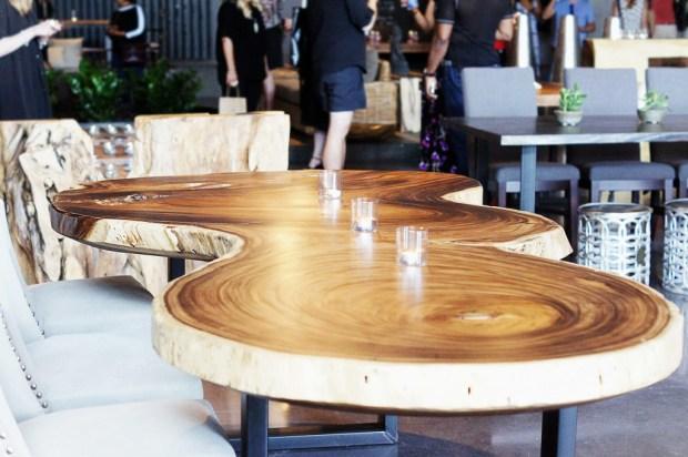 Artemano Table