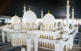 This One Tonne Grand Mosque Replica Is Coming To Dubai