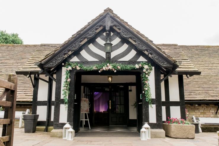 rivington_barn_wedding_photography_0001-1 A RIVINGTON BARN WEDDING   ROSIE AND MICHAEL