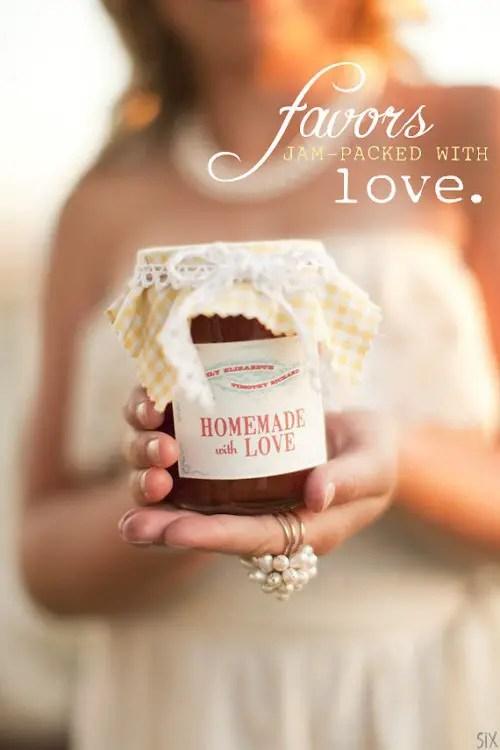 picnic wedding - jam wedding favors