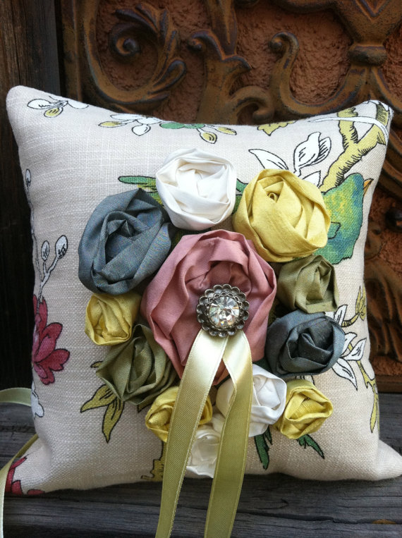 heirloom quality ring pillows