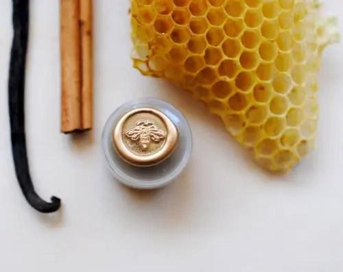 honey themed wedding - perfume honey pot