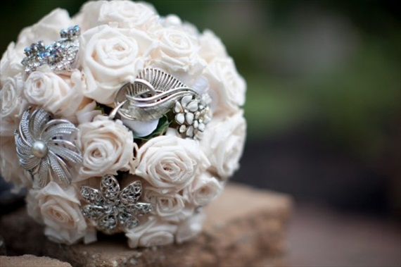 brooches bouquet