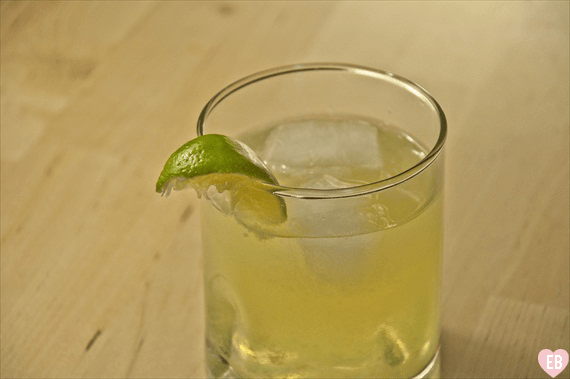 5 signature cocktails for weddings - spiked limeade