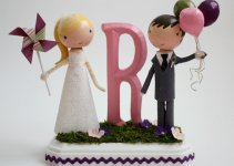 bride-groom-cake-topper-handmade-wedding-balloons
