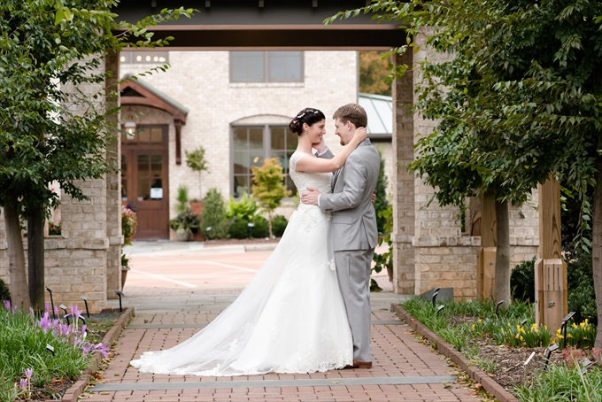 Michelle Robinson Photography | North Carolina Botanical Gardens Wedding in Kernersville - http://emmalinebride.com/?p=129864