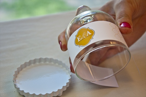 5 Easy DIY Wedding Favors: Bell Jar Cupcake Favors via EmmalineBride.com