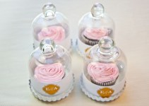 DIY Wedding Favors Bell Jar Cupcakes