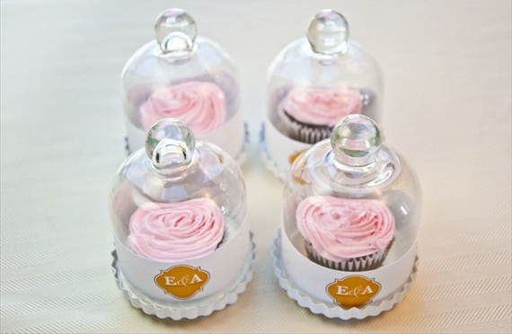 DIY Wedding Favors - Bell Jar Cupcakes by EmmalineBride.com