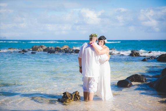 Maui-beach-wedding-ardolino-photography-emmaline-bride-17