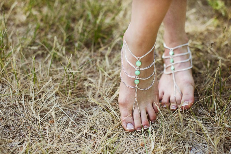 Barefoot Sandals - What Shoes to Wear for Beach Wedding | http://emmalinebride.com/bride/barefoot-sandals/