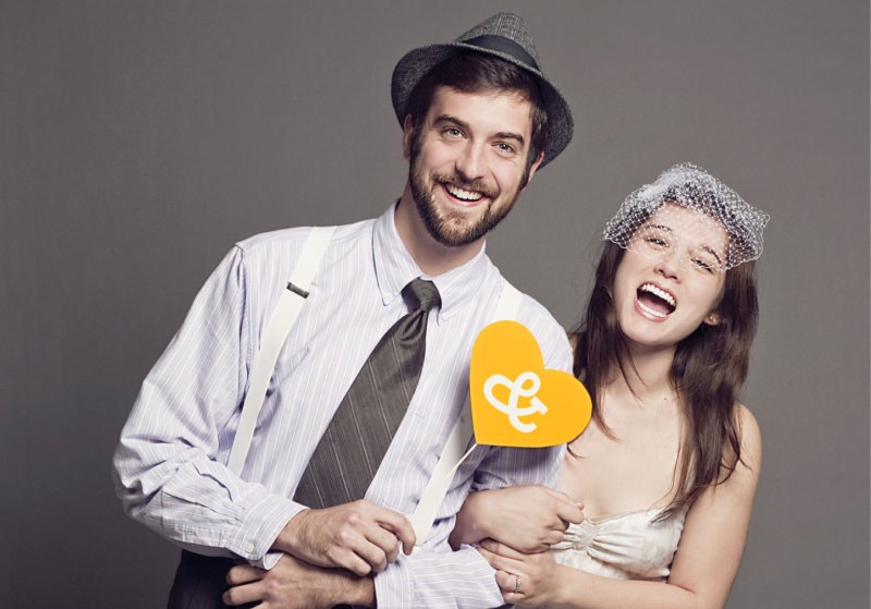 ampersand heart photo prop | Fun Wedding Photo Props | http://emmalinebride.com/decor/fun-wedding-photo-props/