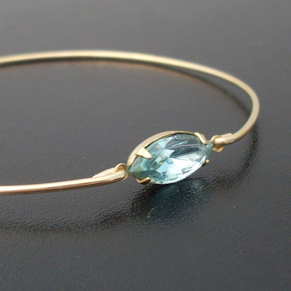 aquamarine bracelet | via Best Aquamarine Jewelry Finds on Etsy - http://emmalinebride.com/bride/best-aquamarine-jewelry/