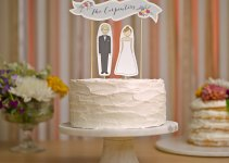 cake toppers that look like you | via http://emmalinebride.com/cake/toppers-that-look-like-you/ | love these! from readygo