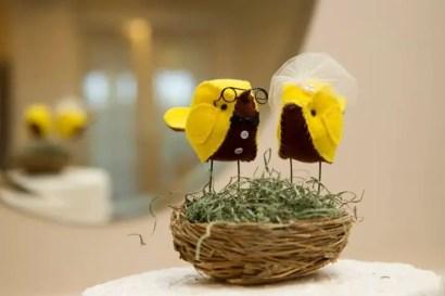 bird cake topper in nest