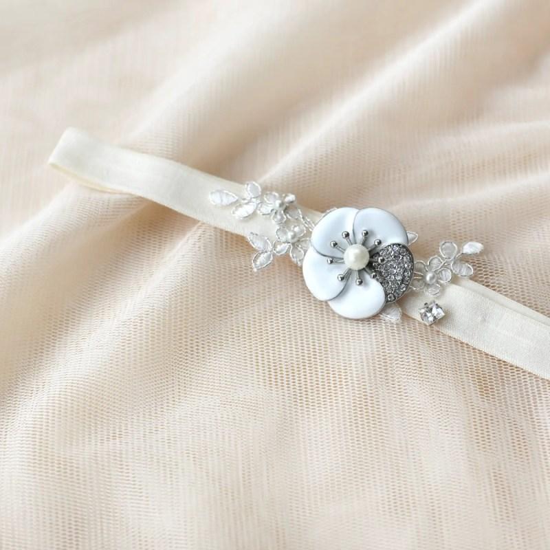 bridal garter camellia