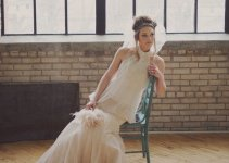 bridal-inspiration-shoot-feather-bouquet-top