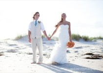 bride-and-groom-on-beach3