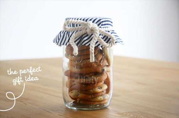 DIY Mason Jar Gifts - triple chocolate chip cookies in a jar