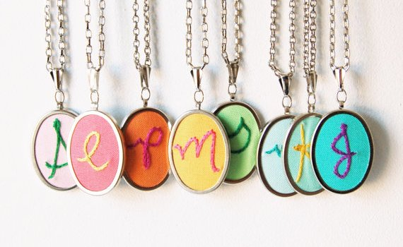 embroidery-necklaces