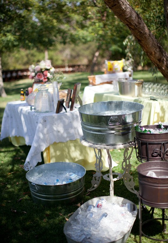 galvanized-tubs-wedding-drinks-cold