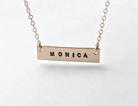 gold bar necklace | bridesmaid gift ideas http://emmalinebride.com/gifts/bridesmaid-gift-ideas/