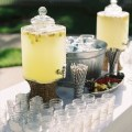 lemonade-wedding-drink-station-mason-jars