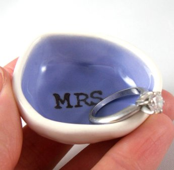 ring dish | via Engagement Ring Care http://emmalinebride.com/bridal/engagement-ring-care/