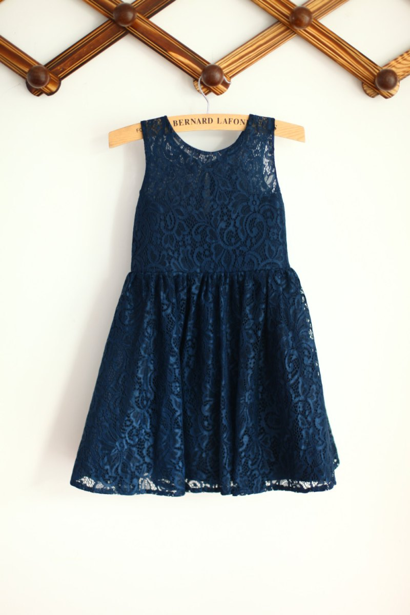 navy blue lace flower girl dress | via http://emmalinebride.com/decor/navy-and-white-wedding-ideas/ | navy and white wedding ideas