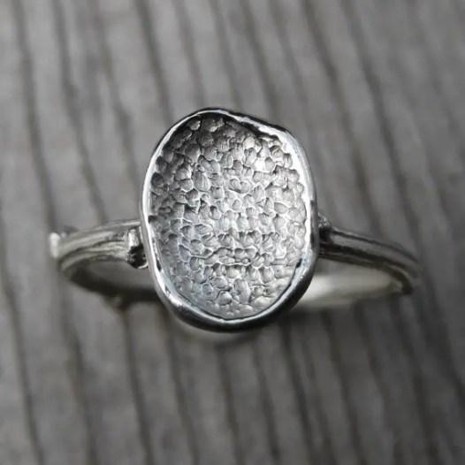 petal-ring-white-gold