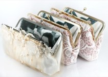 photo-lined-clutch-bag-angee-w-emmaline-bride-2 (2)