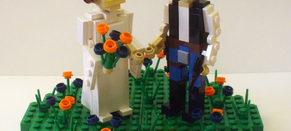 lego wedding cake topper - princess leia