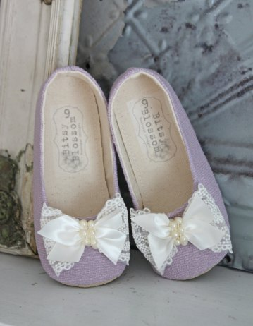 purple flower girl shoes with lace bow | handmade flower girl shoes via http://emmalinebride.com/spring/handmade-flower-girl-shoes/